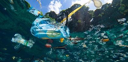 Microplásticos nos oceanos